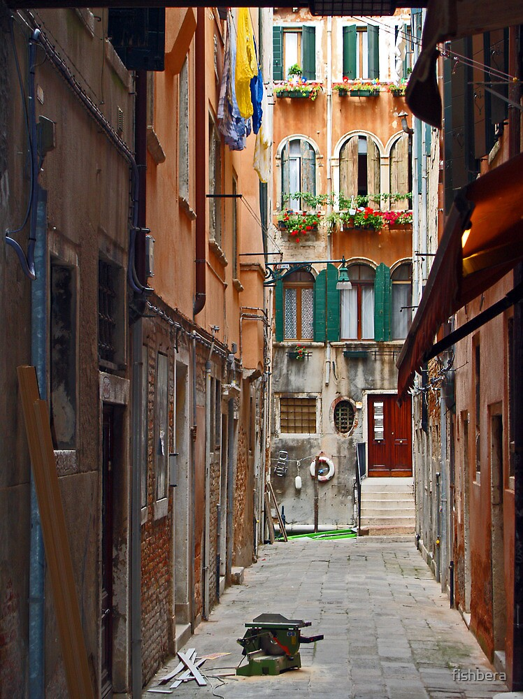 Venice Alley by fishbera