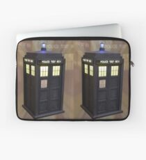 Who's Calling ? Laptop Sleeve