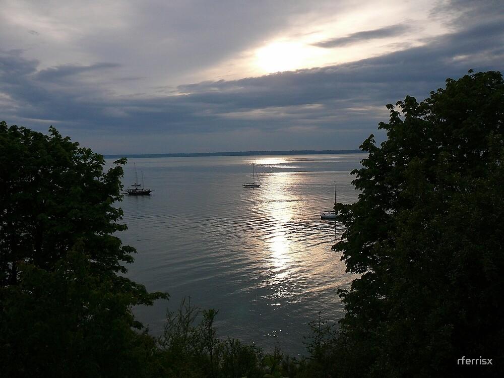 Sunset on Bellingham Bay by rferrisx