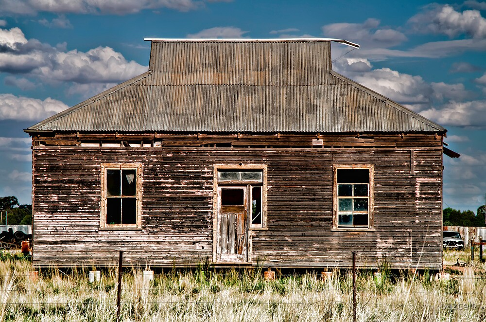 The Old Ruined Home by bazcelt