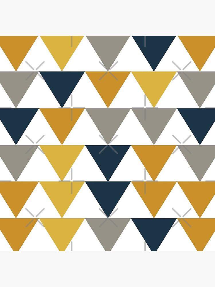 Pfeile 2 - Minimalistisches geometrisches Muster in Senfgelb, Marineblau, Grau und Weiß von kierkegaard
