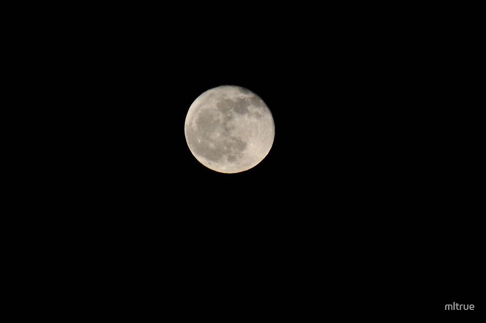 Full moon 12/11/2011 by mltrue