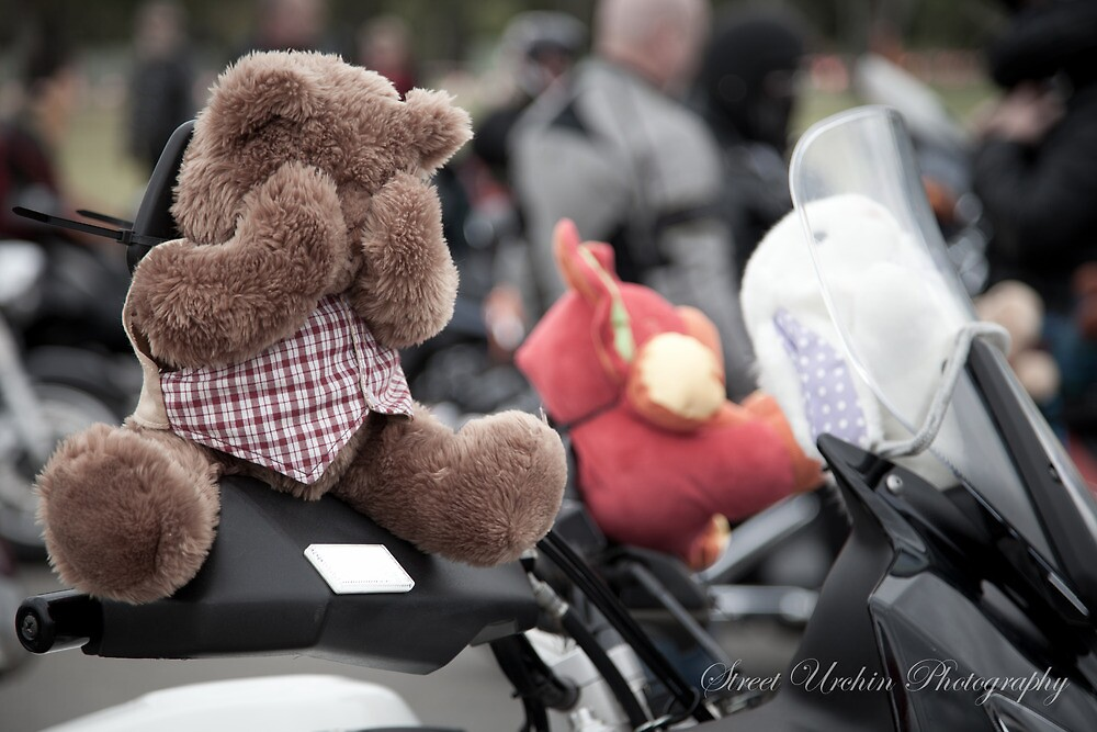 MRASA Adelaide Toy Run 2011 by Wesley Hellyer