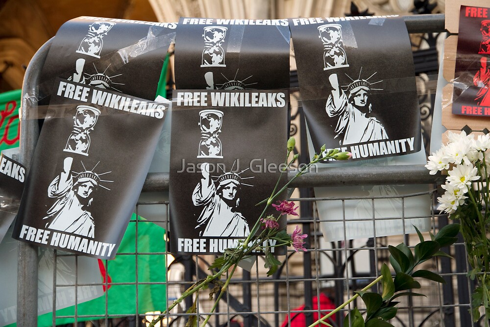 Free Humanity, Free WikiLeaks, outside the Royal Courts Of Justice, Julian Assange hearing 5 December 2011 by Jason J. Gleeson