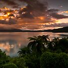 Tarawera Sunrise 16 december 2011 by Paul Mercer