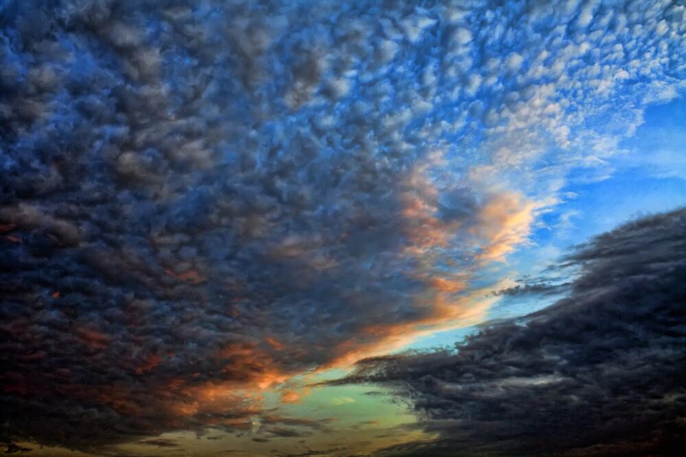 Cloud 1221 by Carolyn  Fletcher