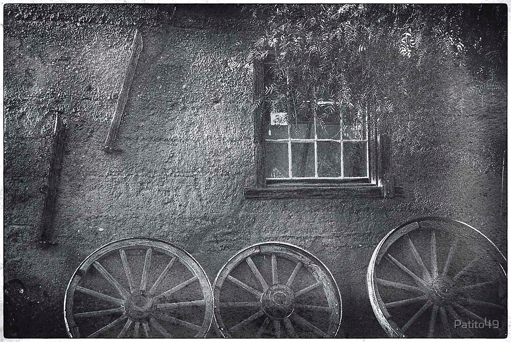 Window and the Wagon Wheels by Patito49