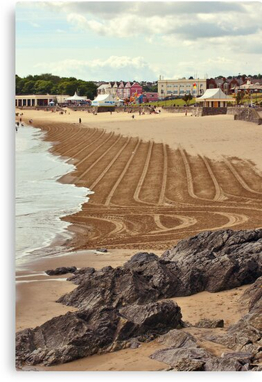 Whitmore Bay, Barry Island by HollyRuthven