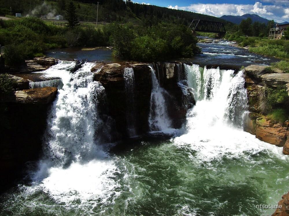 Lunbreck Falls split by ntsotame