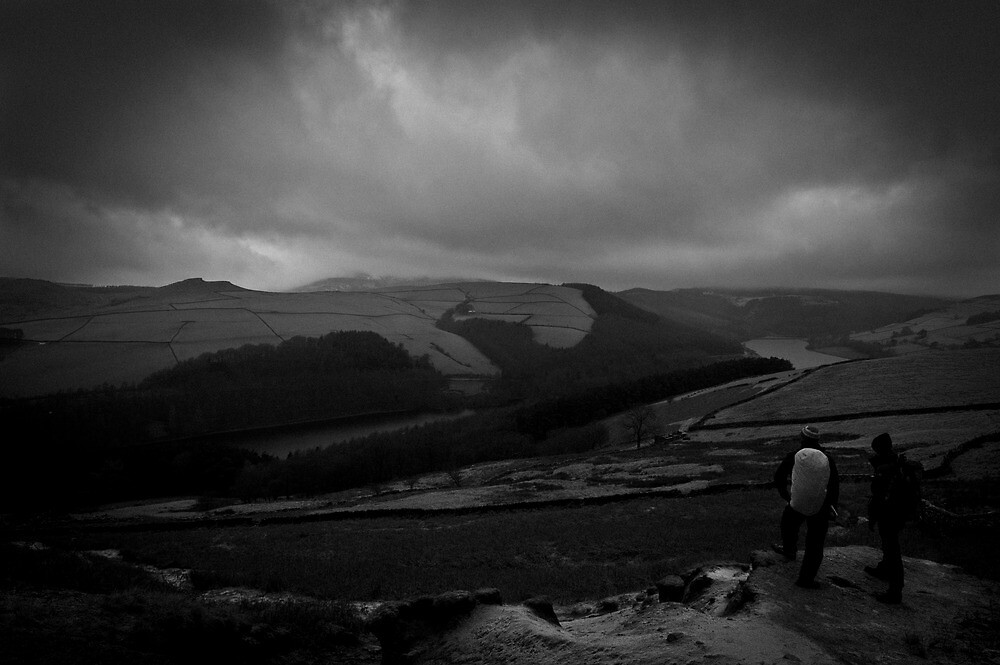 Hikers - Derwent Valley - Peak District by Jonathan Marsh
