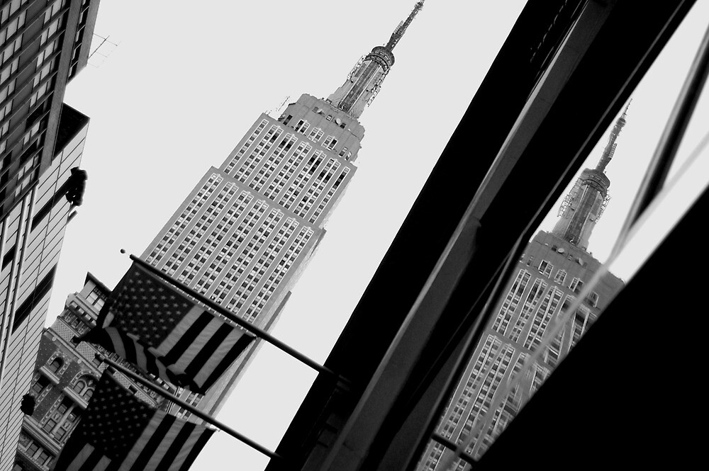 Empire State Building reflected by alanbuech