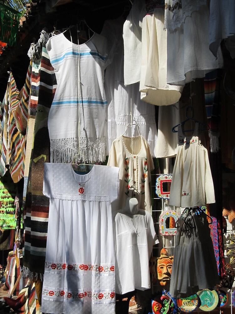 White dresses - Vestidos Blancos en la Isla Cuale by PtoVallartaMex