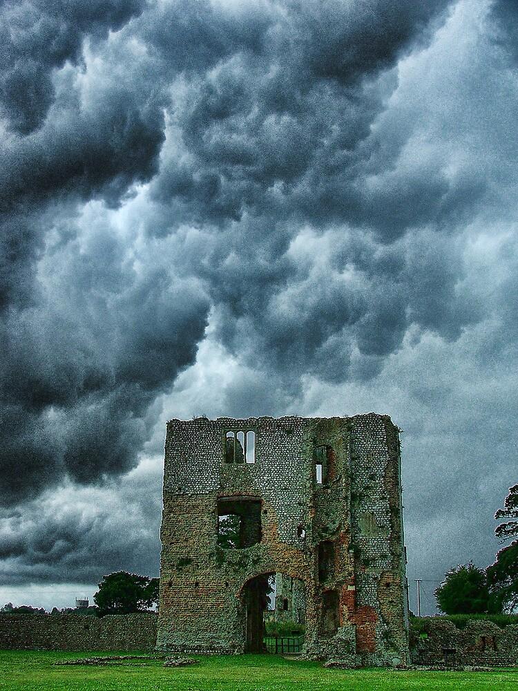 Baconsthorpe Castle Inner Gatehouse by Dave Godden