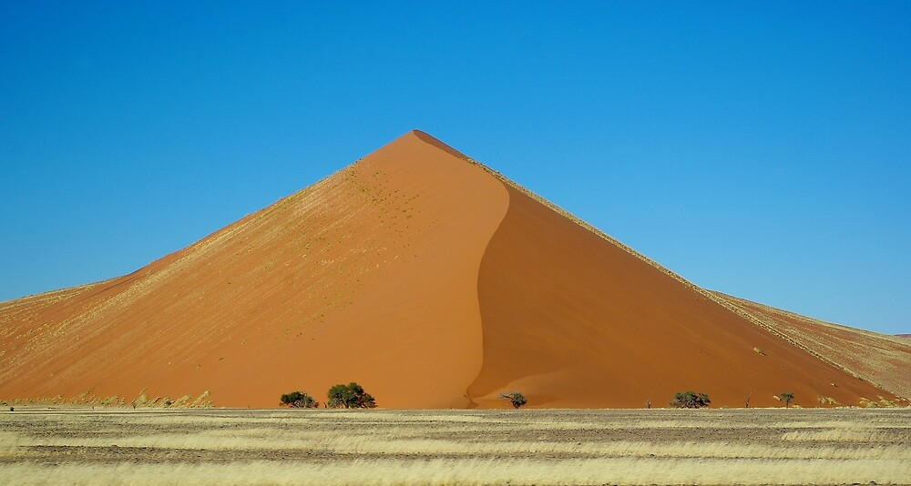 Dune in Sossusvlei by Martina  Stoecker