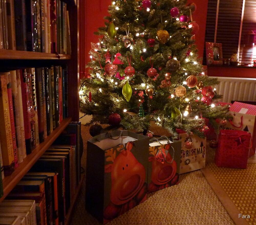 Traditional Warm Christmas Glow by Fara