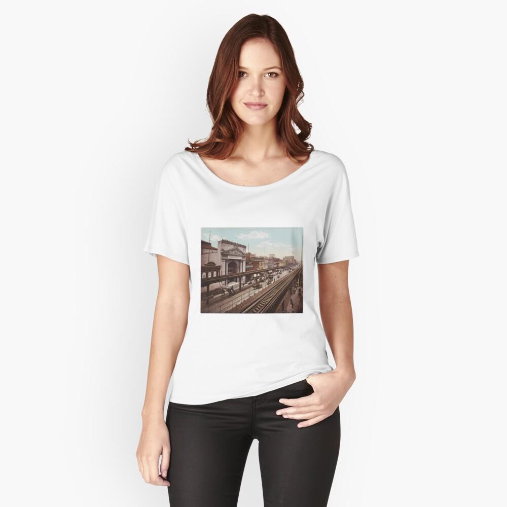 Camiseta ancha para mujerThe Bowery New York City Photo-Print (1898) Delante