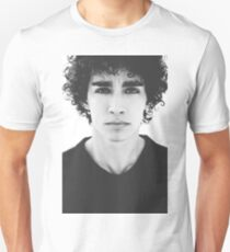 Robert Sheehan T-Shirt
