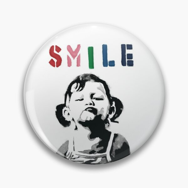 Banksy graffiti Citer SMILE avec une fille qui ne sourit pas Girl Power resistance HD BOUTIQUE EN LIGNE DE HAUTE QUALITE Badge