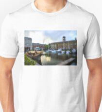 Golden Boat - Gloriana, The British Royal Barge T-Shirt