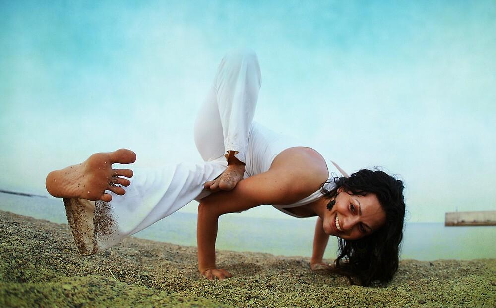 Balance and strengh Asana at the Beach by Wari Om  Yoga Photography