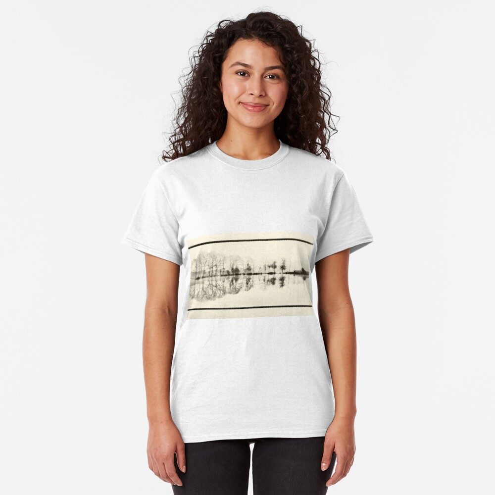 Misty morning in the park Classic T-Shirt