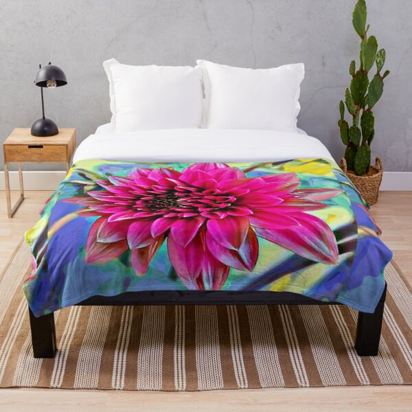 WoW Dahlia! Throw Blanket