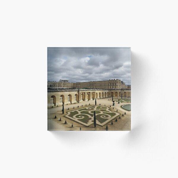 Versailles Acrylic Block