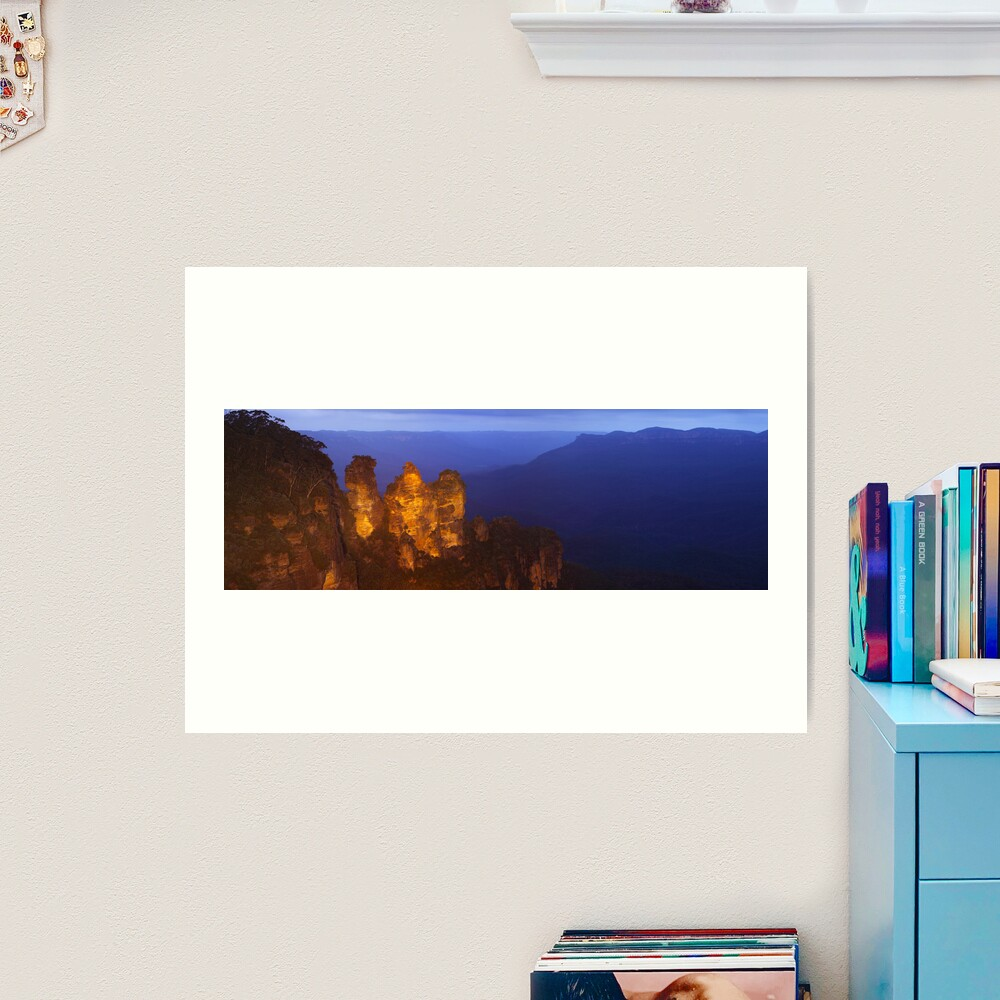 Three Sisters Dusk, Blue Mountains, Australia Art Print