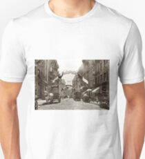 Camiseta unisex Little Italy Mott Street NYC Photograph (1908)