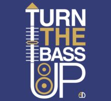 TURN THE BASS UP - Crossfader & Speaker