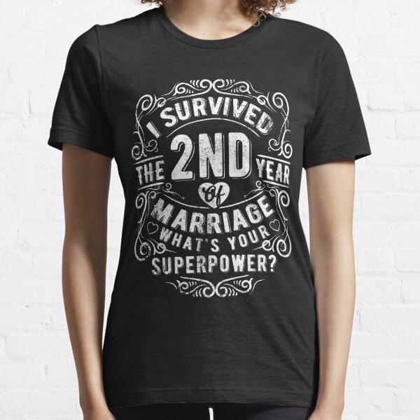 Regalo divertido de aniversario de boda 2 años Regalo de matrimonio Camiseta esencial