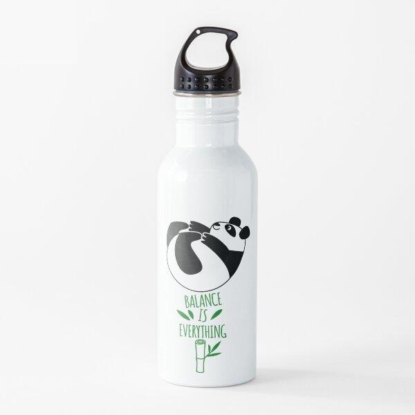 ¡El equilibrio lo es todo! Panda panda. Botella de agua