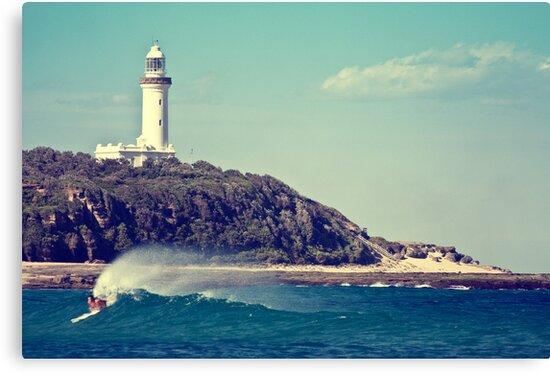 Lighthouse Beach by Tam  Locke
