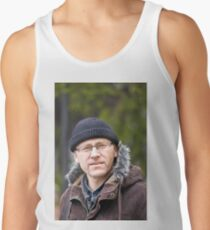 Portrait of man in light of the natural Men's Tank Top
