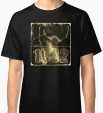 I love 1932 - Vintage lightning and fire T-Shirt Classic T-Shirt