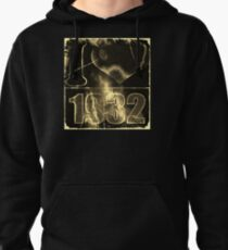 I love 1932 - Vintage lightning and fire T-Shirt T-Shirt