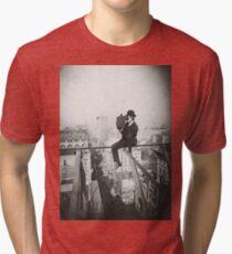 Camiseta de tejido mixto Photographing NYC Above 5th Avenue (1905)