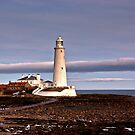 St Mary's Lighthouse by Trevor Kersley