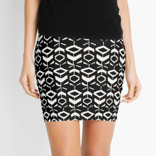 White flower pattern on a black background Mini Skirt