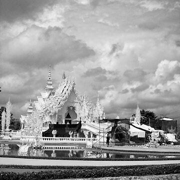 Wat Rong Kun 2 by Phoonaz