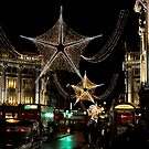 Oxford St on a Bustling Evening by rsangsterkelly