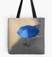Looking for Protection - En Busceda de Protección Tote Bag