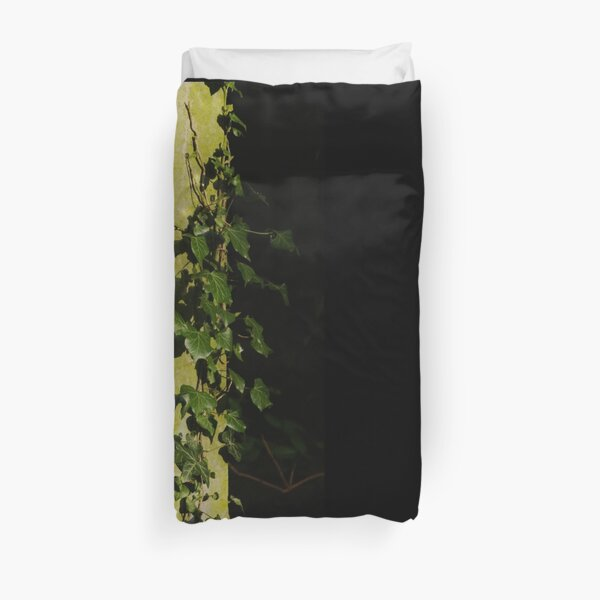 Trailing ivy on grave Duvet Cover