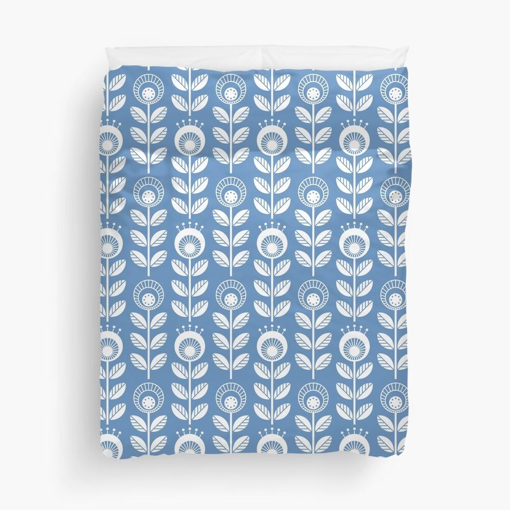 SCANDI GARDEN 01-5, white on blue Duvet Cover