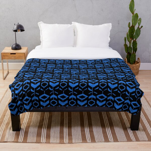 Blue flower pattern with black background Throw Blanket