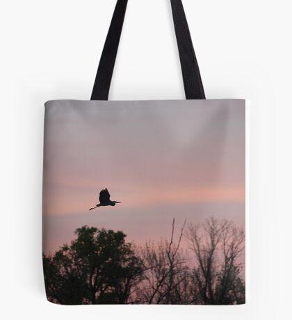 Great Blue Heron on Pink Sky Tote Bag
