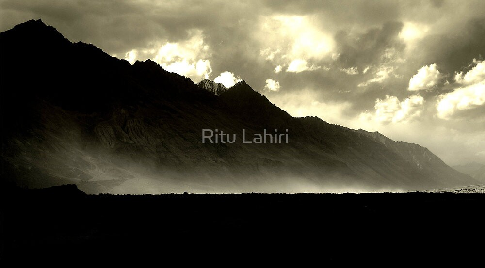 Dust storm on the Nubra by Ritu Lahiri