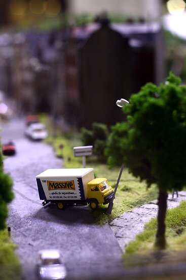 A model sense of humour! by Ell-on-Wheels