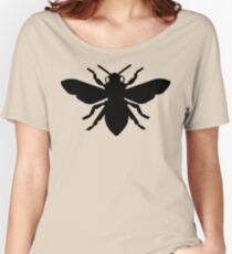 Bee Silhouette Women's Relaxed Fit T-Shirt