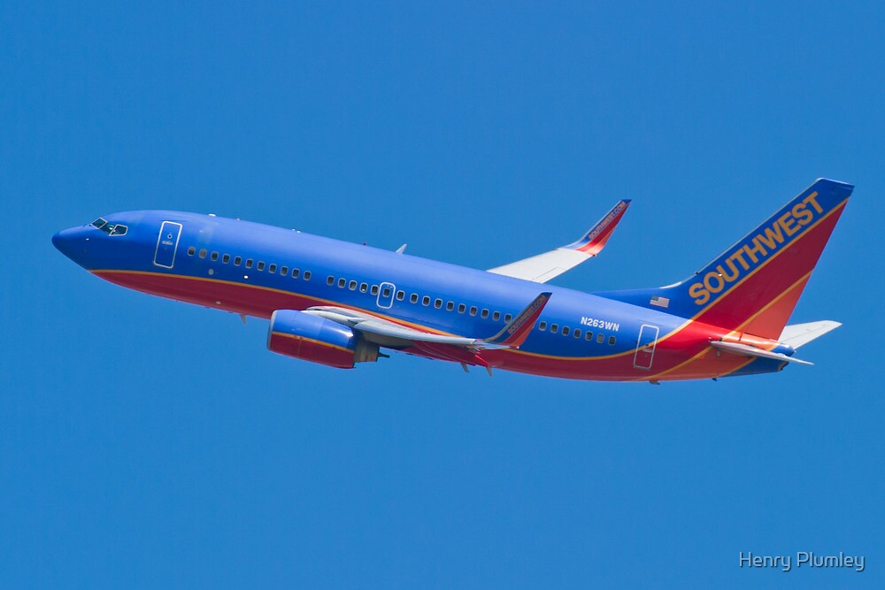 Southwest Airlines N263WN by Henry Plumley